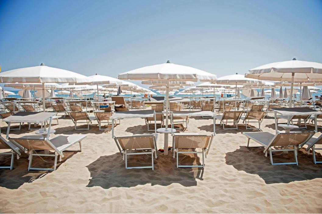 Hotels mit Privatstrand in Jesolo | Hotel Byron Bellavista 4*