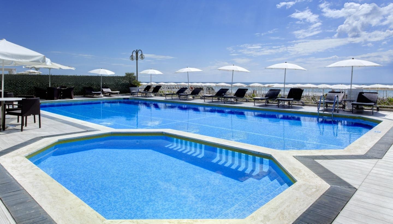 4* Hotels mit Schwimmbad in Jesolo | Hotel Byron Bellavista 4*