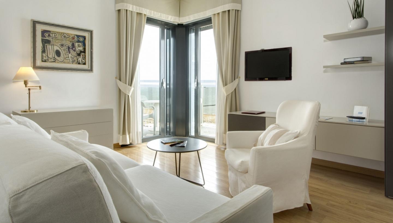 Zimmer mit Meerblick in Jesolo | Hotel Byron Bellavista 4*